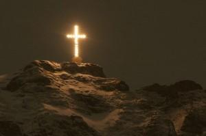 crucea caraiman luminata