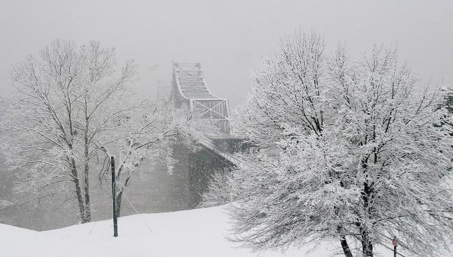 Iarna închide școlile din câteva județe. Unde nu se mai țin cursuri