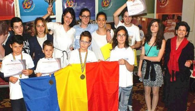 """Echipa de Mind Lab a Şcolii """"Anastasia Popescu"""" – cea mai bună din România!"""
