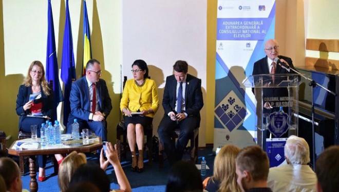 Dezbatere între elevi și ministrul educației: un pas important în reprezentativitate și apărarea drepturilor elevilor