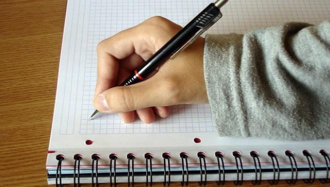 In Finlanda: cursurile de tastat la calculator înlocuiesc scrisul de mână în școli