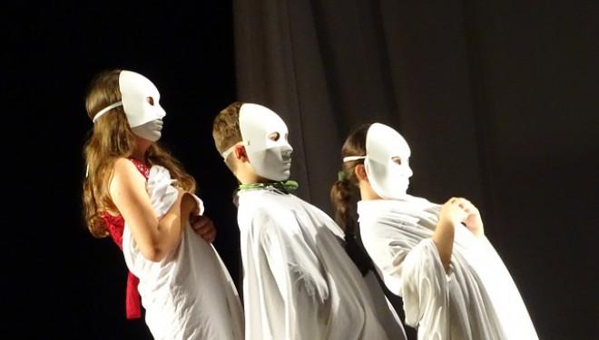 """Gong final la Festivalul """"Copil în Europa"""".  Marele premiu: Dramatis Personae Baia Mare"""