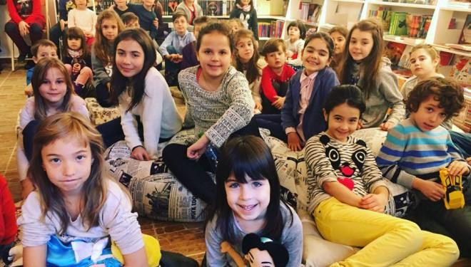 Ateliere de MUZICĂ la Două Bufnițe, cu Melopolis. Copiii învață să cânte și să confecționeze instrumente muzicale
