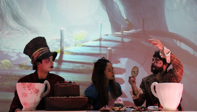 """""""Alice in Wonderland"""": Un super spectacol pentru copii, la Timișoara"""