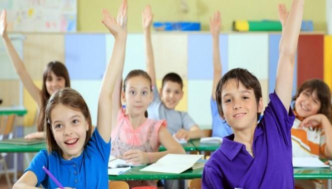 Voluntari pentru educaţia copiilor din Sectorul 6