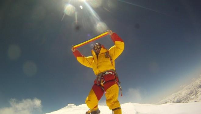 Horia Colibăşanu: pe cel mai înalt munte din lume, fără niciun ajutor!