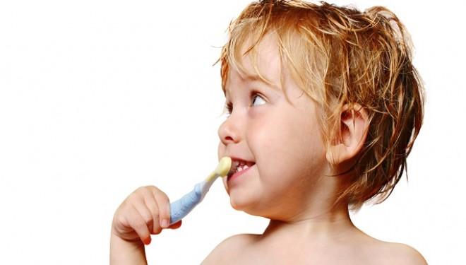 Cum procedăm în cazul unui traumatism dentar la copil?