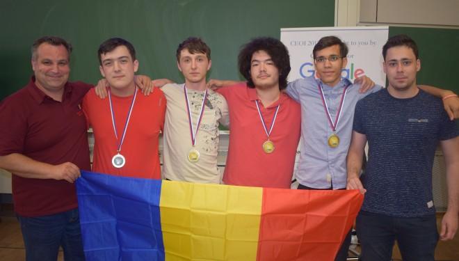 Patru medalii, dintre care trei de aur, la Olimpiada de Informatică a Europei Centrale