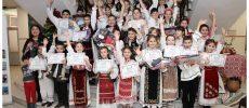 Copiii din Banat învață de mici despre tradiții, port popular și poezii în grai