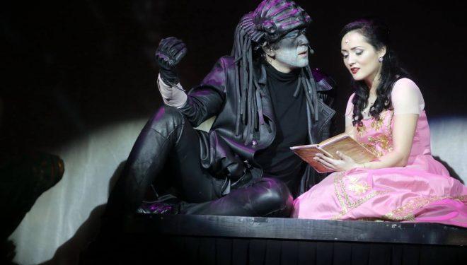 Ofertă excepțională pentru copiii care își aduc părinții la teatru