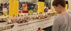 Un băiat autist a construit cea mai mare replică a Titanicului