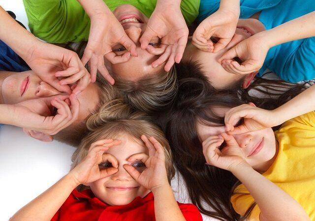 Copiii curajoși: jucându-ne cu vocea și corpul
