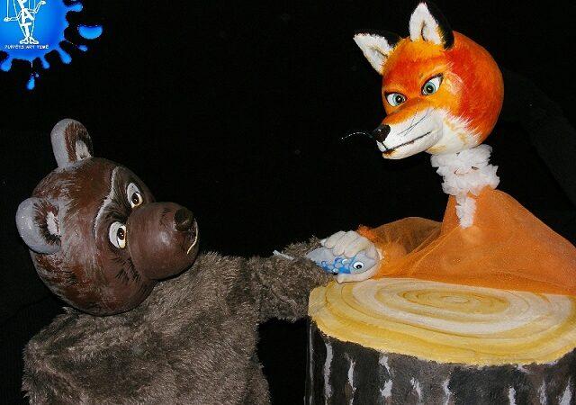Ursul păcălit de vulpe, cu Teatrul Puppets la Iaşi
