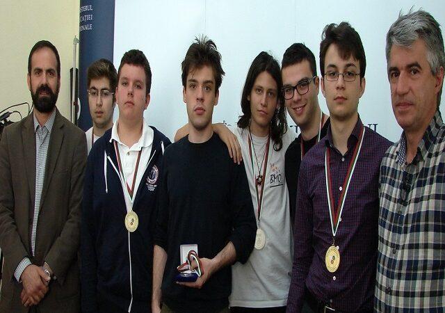 6 medalii pentru elevii români la Olimpiada Balcanică de Matematică