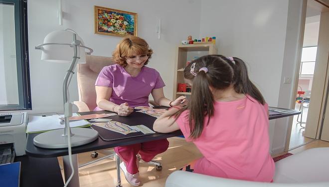 Care sunt principalele probleme pentru care copiii români ajung la psiholog?