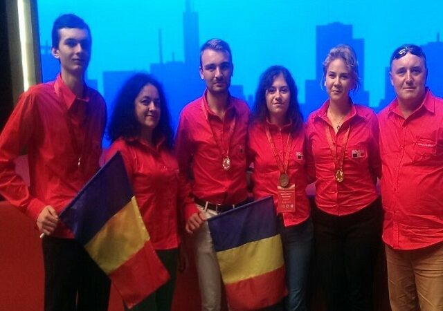 Aur, argint, bronz – elevi români medaliaţi la Beijing