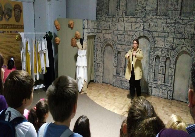 La Iulius Mall – peste 6000 de copii au vizitat expoziția Misterele Greciei Antice
