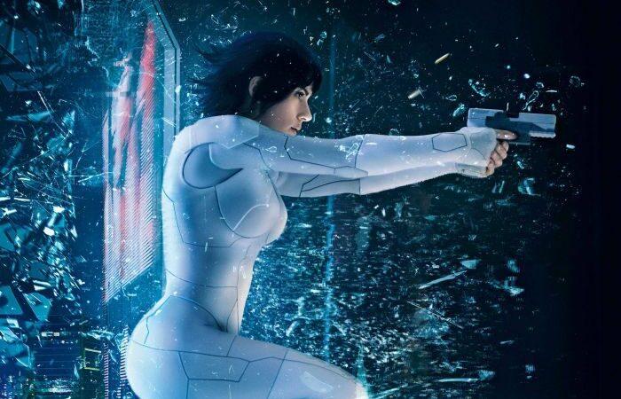 """LA FILM. Rubrică susținută de Cinema City. Lui Alexandru i-au plăcut efectele video din """"Ghost in the shell"""" (film nerecomandat copiilor sub 15 ani)"""