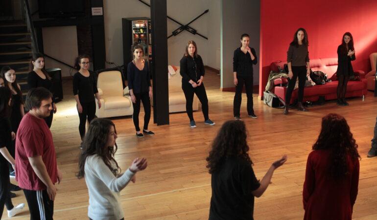 Teatrul Național Timișoara organizează cursuri GRATUITE pentru toți pasionații de… teatru