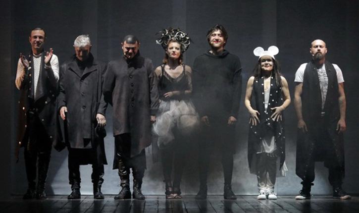 Hai la teatru! Hamlet cu Bean de la Subcarpați și Billy mincinosul, două spectacole de neratat la TNTm
