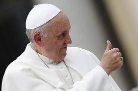 """Papa Francisc spune că """"Sexul este un dar de la Dumnezeu"""". Și că trebuie educație sexuală în școli"""