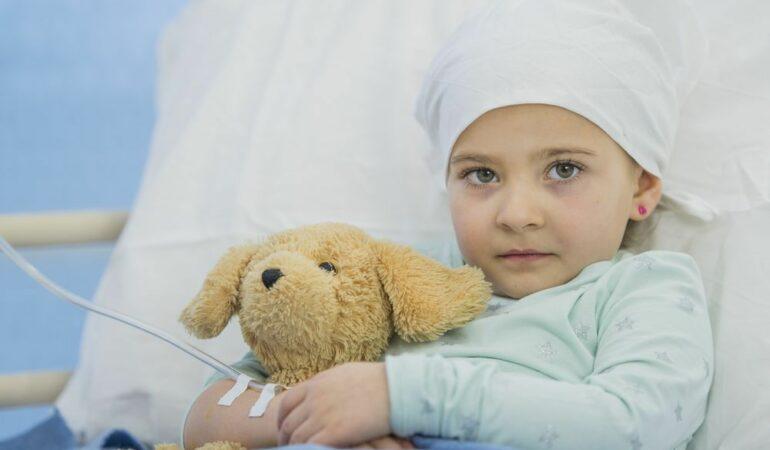 Alarmant. 400 de copii se îmbolnăvesc de CANCER în fiecare an, în România