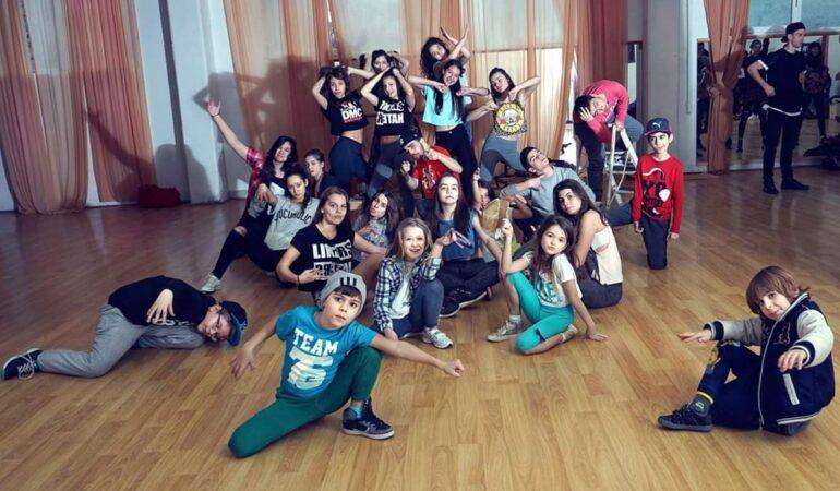 "Freestyle la Timișoara. Copii și tineri învață street-dance – ""Don't think! Feel!"""