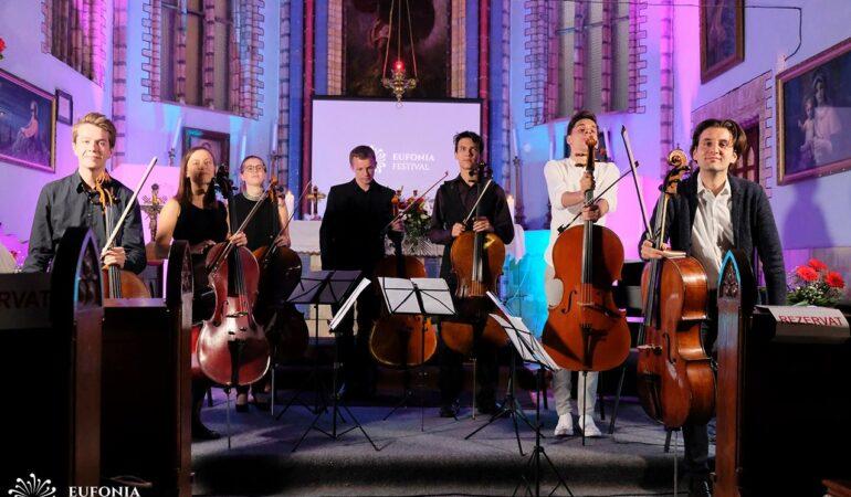 Festivalul care aduce sunetul muzicii clasice mai aproape de timișeni