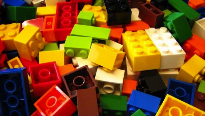 Povestea LEGO. Tot ce nu ai știut despre jucăriile preferate