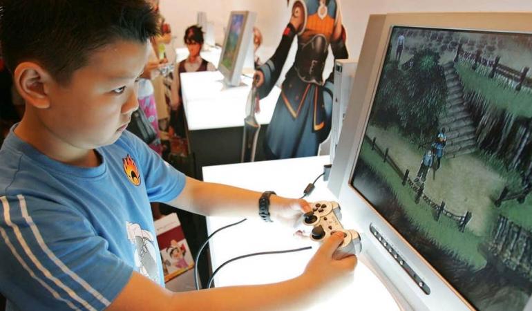 China restricționează minorilor accesul la jocurile video. 90 minute pe zi în faţa ecranului!