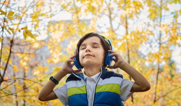 STUDIU. Cât de rapid recunoaște creierul melodiile preferate