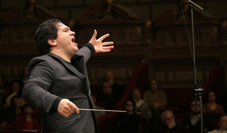 Un român va conduce Orchestra națională a Franței