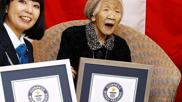 Cea mai vârstnică persoană din lume a împlinit 117 ani. Supercentenarul, îndrăgostit de dulciuri