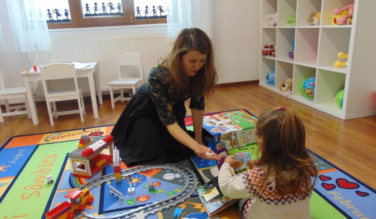 Primul centru de babysitting din România s-a deschis în Timișoara. Ce înseamnă asta?