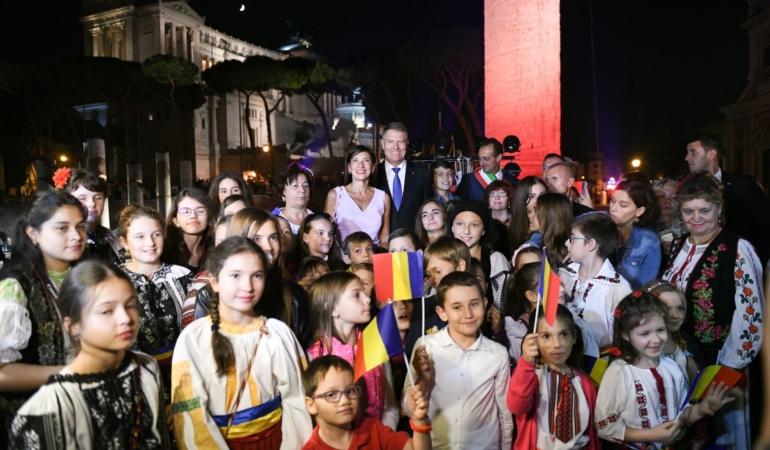 Alocațiile copiilor : ping-pong între politicieni