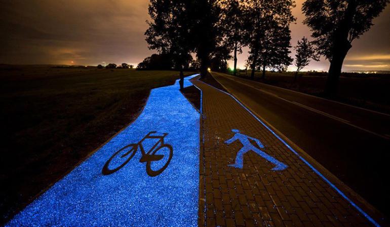 Polonia – pistă de biciclete unică în lume: acumulează energie solară  ziua şi generează lumină noaptea
