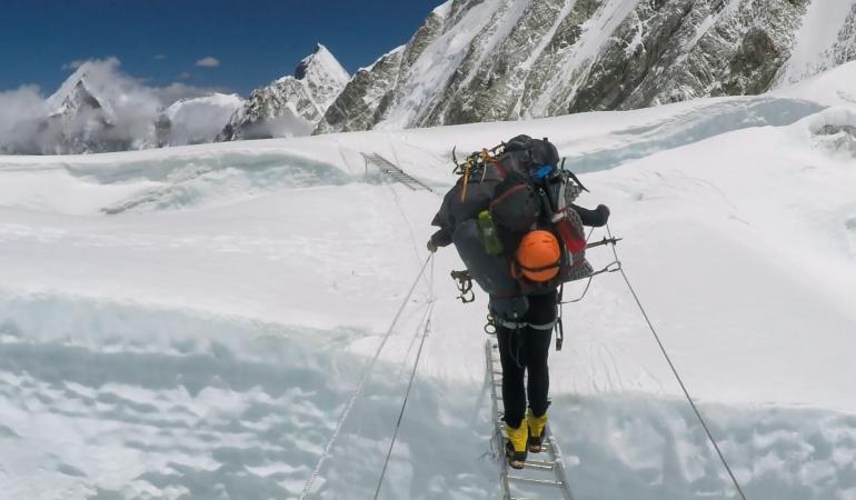 """""""Superhombre"""", povestea alpinistului Horia Colibășanu, în cinematografe"""