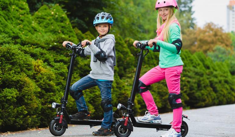 Poiect legislativ: copiii vor avea voie doar de la 14 ani pe trotinete electrice