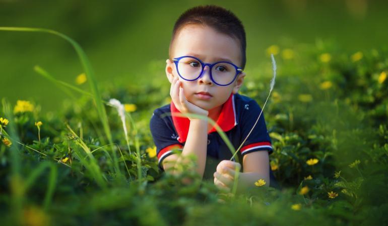 """""""Clar pentru copii"""" – Ce condiții trebuie să îndeplinească copiii ca să primească ochelari gratuit"""