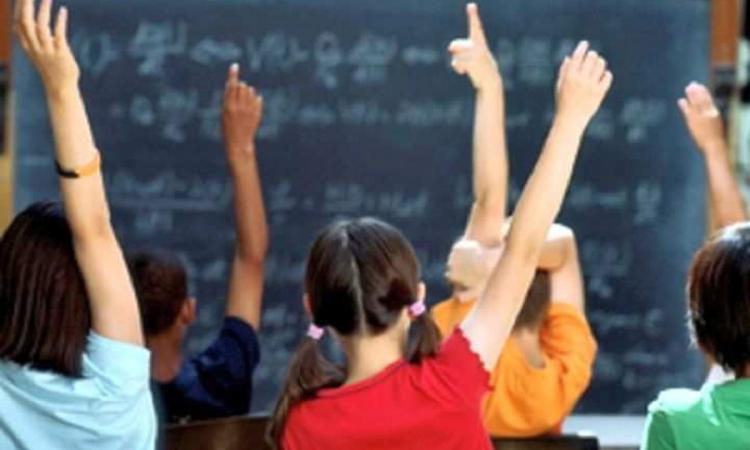 Elevii vor primi burse mai mari în anul școlar viitor