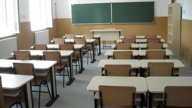Zeci de școli au fost închise din cauza gripei