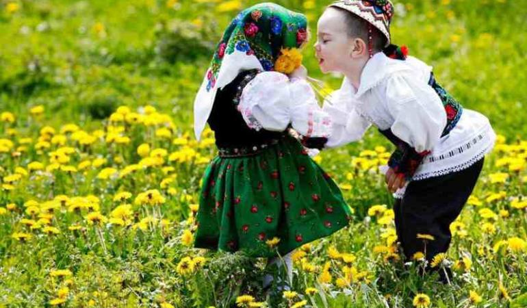 Dragostea în stil românesc – Sărbătoarea Dragobetelui pe înţelesul copiilor