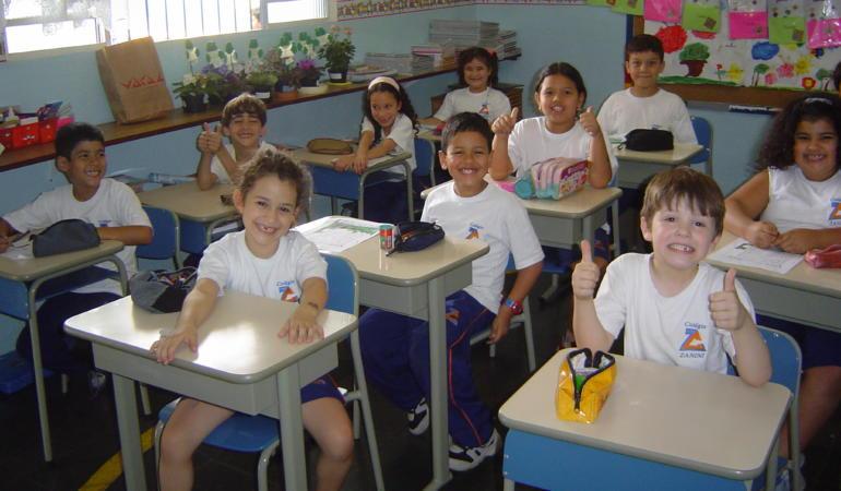 """""""Școala altfel"""" – în interiorul școlilor. Manifestările școlare – suspendate"""