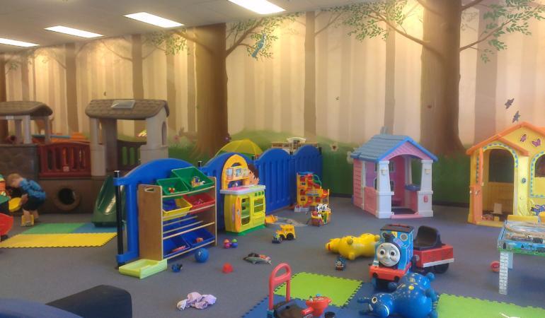 Copiii trebuie să evite locurile de joacă aglomerate – Campanie de informare