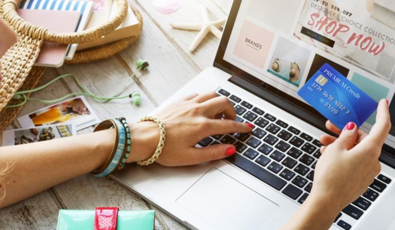 Pericolele pe internet: cumpărături online fără riscuri