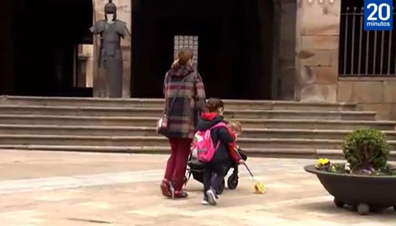 CAMPANIA ȘTIRI POZITIVE. Copiii spanioli vor putea ieşi din casă