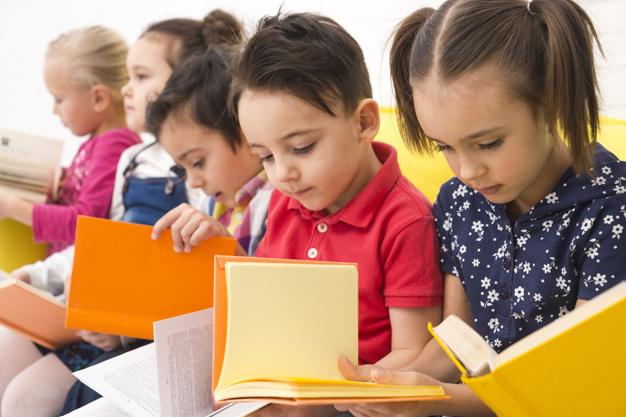 2 aprilie-Ziua Internațională a Cărţii pentru Copii și Tineret. Aflați ce mai citesc copiii