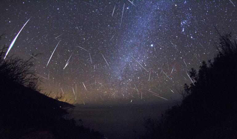 Urmează Lyridele, două nopți cu stele căzătoare