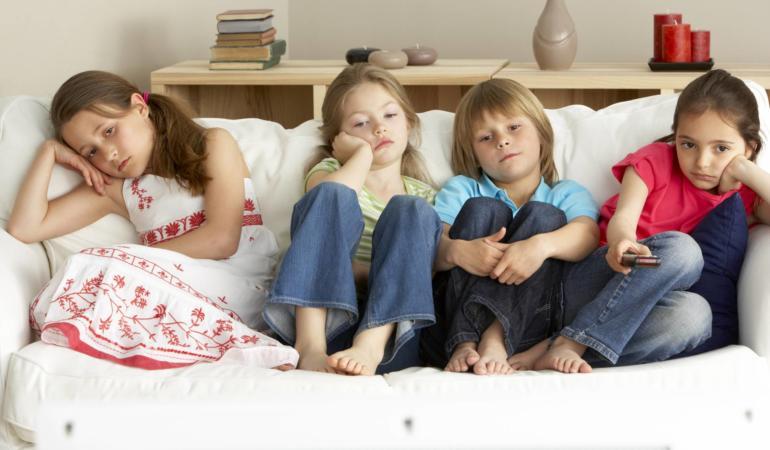 Perioada de izolare – activităţi în familie. De ce uneori e util să ne plictisim?