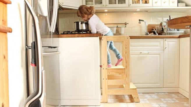 Toți copiii în bucătărie cu ajutorul asistentului de gătit! Cine, sau mai exact ce este acesta?